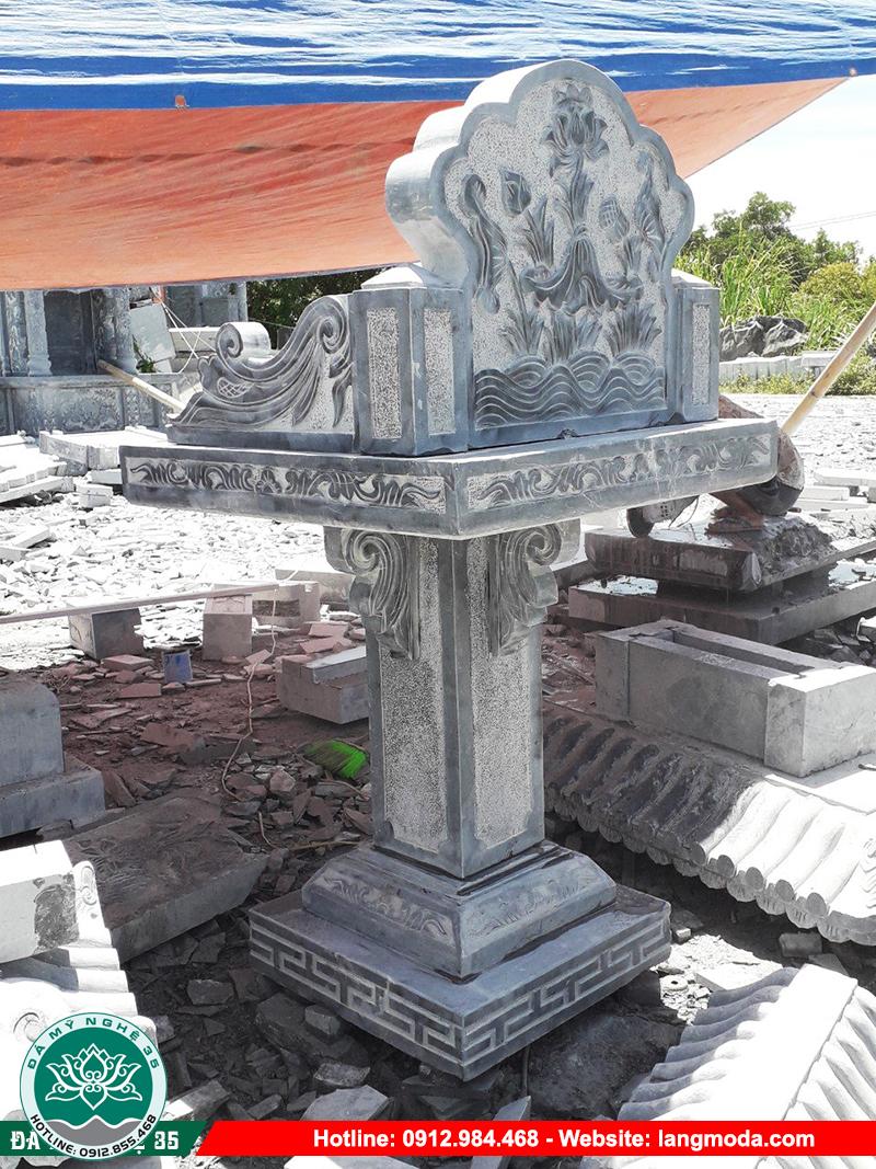 Cây hương đá thờ thần linh