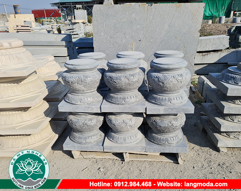 Đá kê cột nhà gỗ được làm từ đá, được tạc thành nhiều hình dáng vuông, tròn…